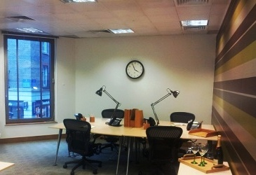 2 office decorating, Cannon St, London EC4N 6NP
